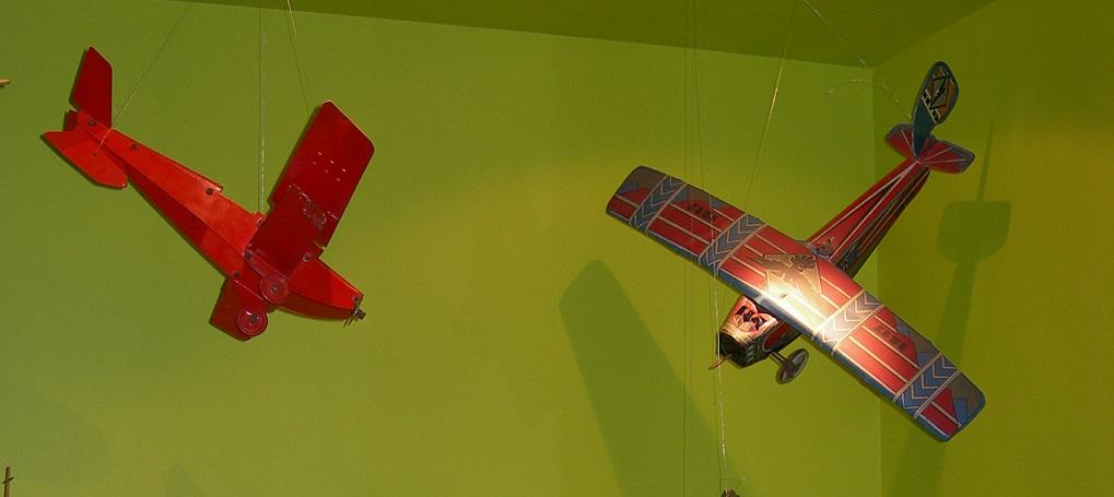 giocattolo aerei